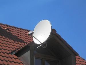 Uchyceni paraboly-vyklenek strecha